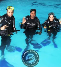 Discover Scuba Diving Hurghda Red Sea Cave Divers Hurghada